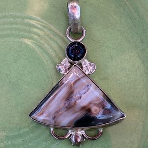 Sterling agate and goldstone pendant